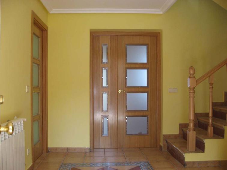 Puerta interior de madera puerta interior madera modp - Cristales puertas interiores ...